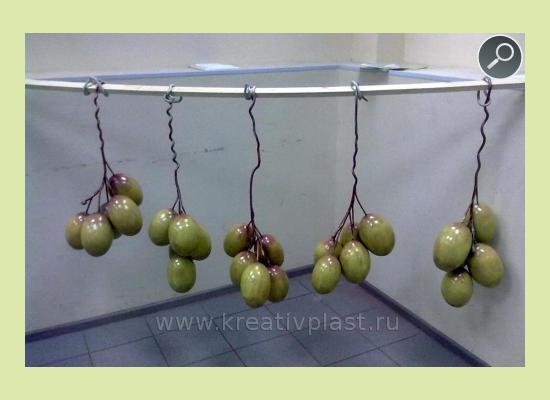 Виноград из пенопласта